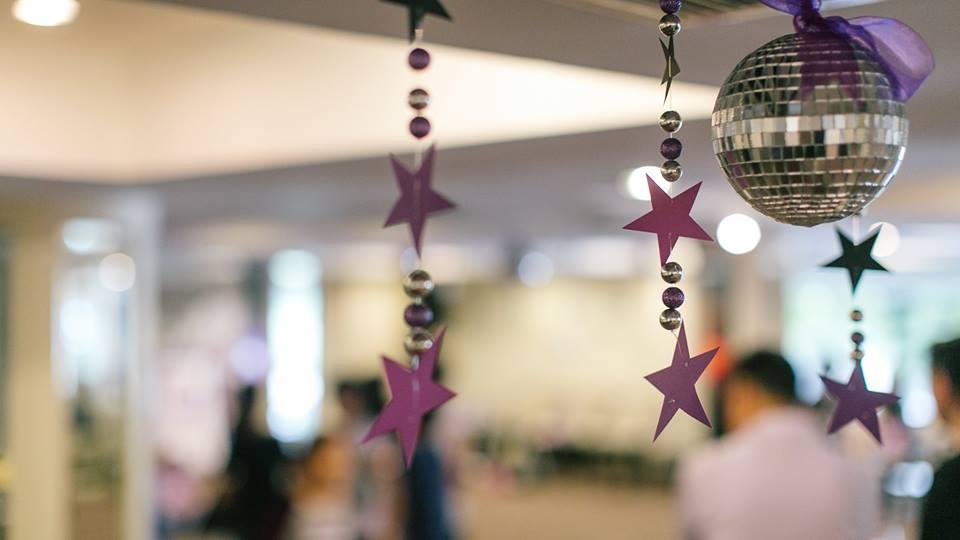รับจัดงานวันเกิด จัดงานปาร์ตี้ จัดลูกโป่ง จัดตกแต่งให้ได้ตามธีมงานที่คุณต้องการ ปาร์ตี้วันเกิดธีม Rock Star งานมีความสวยงามและมีความเป็นมืออาชีพ ประทับใจสำหรับทุกคน