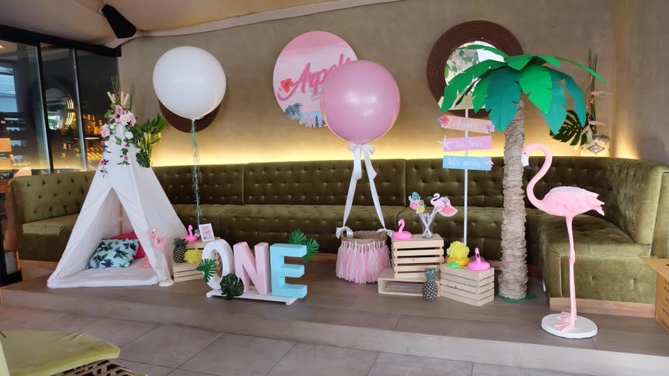 ไอเดียการจัดงานปาร์ตี้ในธีมอโลฮ่า Aloha ไม่ว่าจะเป็นงานวันเกิด baby shower หรือ hen night ปาร์ตี้สละโสด เราจัดให้ได้ทั้งแบคดรอป ลูกโป่ง การตกแต่งงาน เค้ก และกิจกรรมสนุกๆ มากมาย